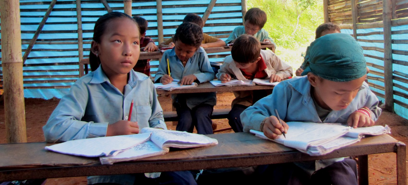Provisorische Schule in Taruka