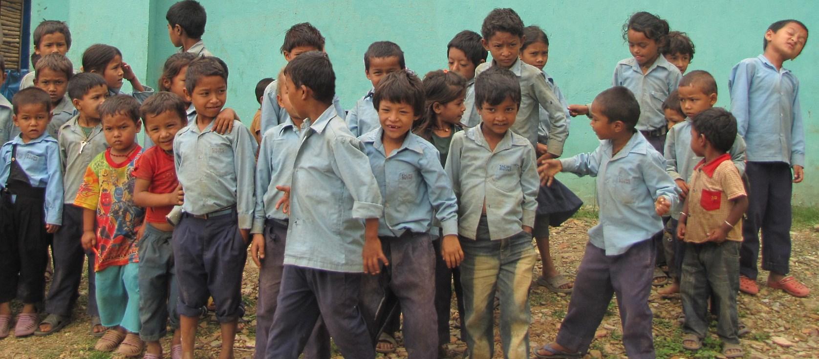Schulkinder in Nanuma